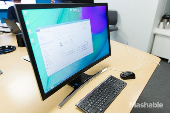 Samsung показала моноблок с изогнутым дисплеем