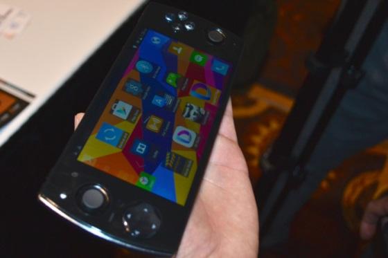 Snail Games W 3D – смартфон для геймеров
