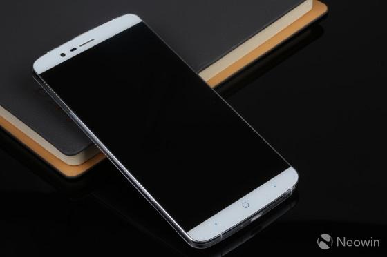Elephone P8000 – еще один мощный и доступный смартфон