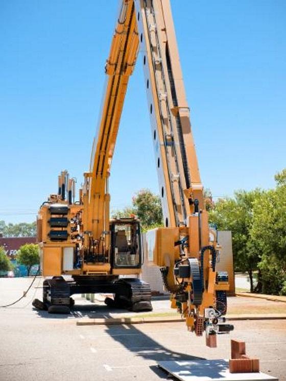 Робот каменщик самостоятельно сложит город за один год