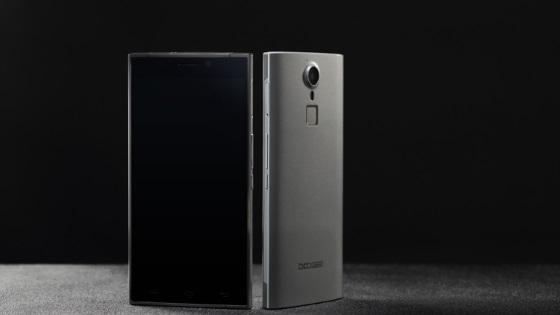 Doogee F5 — флагманский смартфон за 140 долларов
