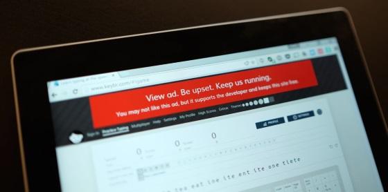AdBlock продан новой компании и теперь будет показывать часть рекламы