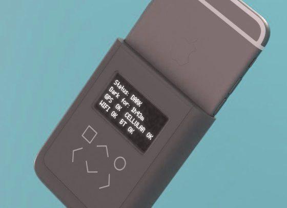 Эдвард Сноуден и Эндрю Хуанг создают чехол с защитой данных для iPhone