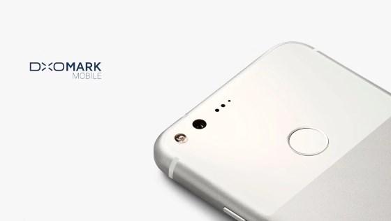 Google официально проставила смартфоны Pixel и Pixel XL и они не впечатляют